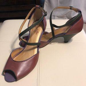 Seychelles 40's Style Heels